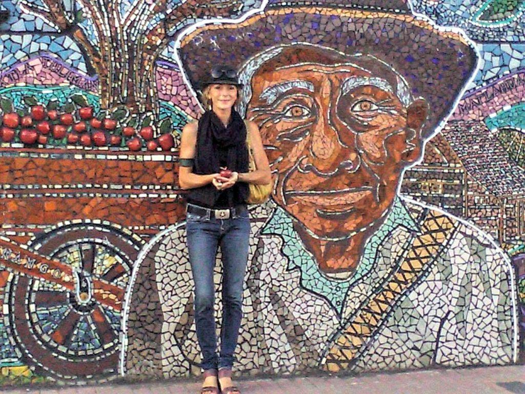 Photo w Mexican Mural.TWEAKED